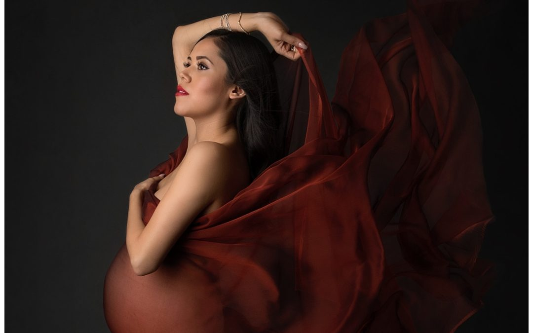 Adriana's Fashion and Family Maternity Session