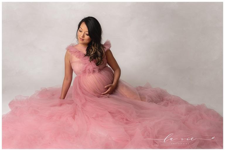 Luxurious studio maternity session